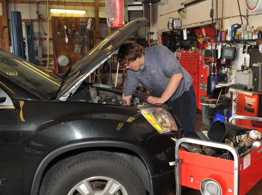 Oil Change Services - Stroebel Automotive